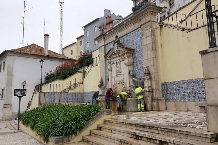Jornal Campeão: Câmara de Coimbra faz manutenção da Fonte Nova, a mais antiga da cidade