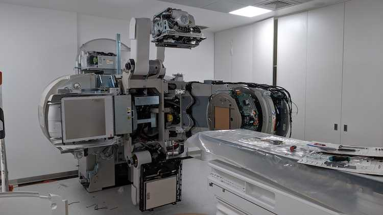 Jornal Campeão: Radioterapia do CHUC com novos aceleradores lineares