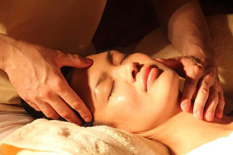 Jornal Campeão: Dermatologistas reforçam importância de tratar a pele no confinamento