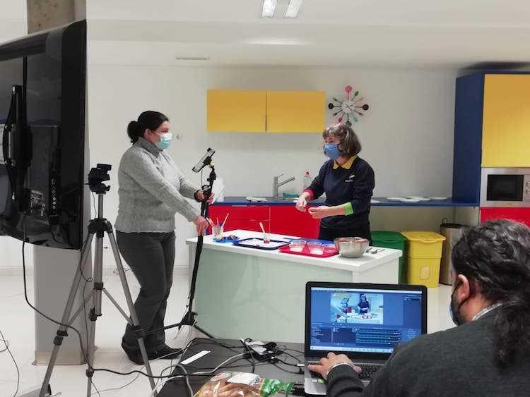 Jornal Campeão: Exploratório de Coimbra leva a Ciência até casa