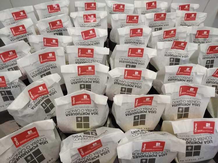 Jornal Campeão: Núcleo do Centro da LPCC reforça apoio aos doentes com doação de bens alimentares
