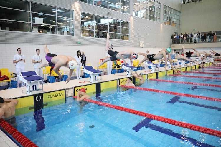 Jornal Campeão: 'Coimbra – Rumo a Tóquio 2021′ em natação acaba com recorde nos 200 costas