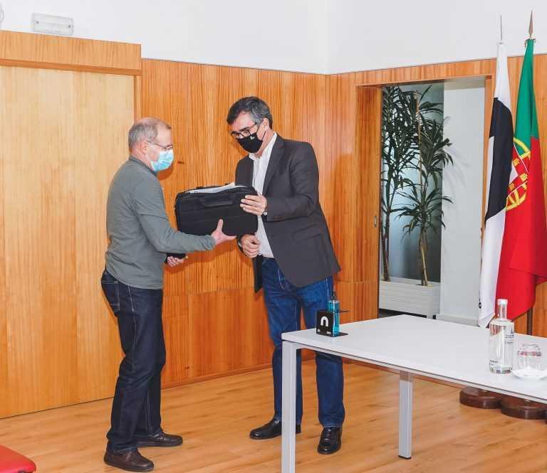 Jornal Campeão: Politécnico de Coimbra entrega computadores aprofessores
