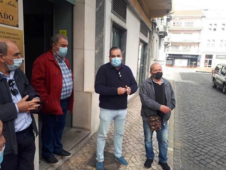 Jornal Campeão: Moradores e comerciantes exigem obras na Rua Mário Pais em Coimbra