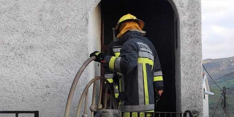 Jornal Campeão: Filho de vítima mortal em incêndio numa casa em Penacova entrega-se à GNR