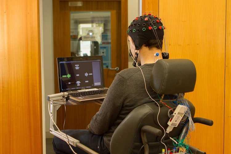 Jornal Campeão: Novo sistema que controla cadeiras de rodas através do cérebro tem precisão de 100%
