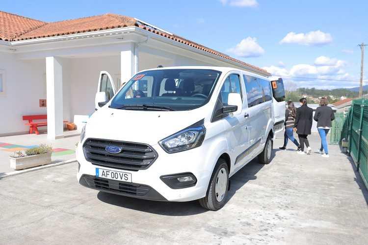 Jornal Campeão: Mealhada apoia AD ELO com carrinha para transporte de crianças