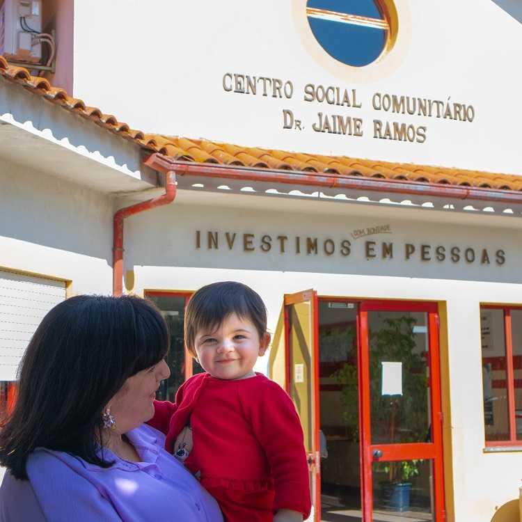 Jornal Campeão: Fundação ADFP já apoiou o nascimento de 36 crianças com mais de 19000 euros