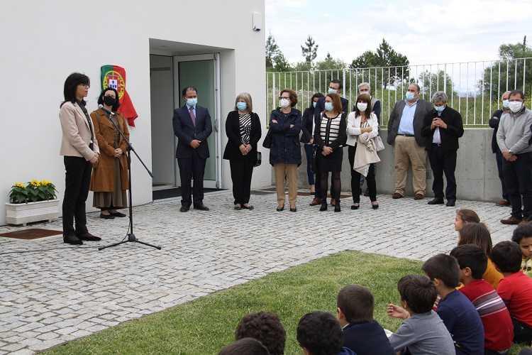 Jornal Campeão: Anadia: Secretária de Estado da Educação inaugurou Escola Básica de Mogofores