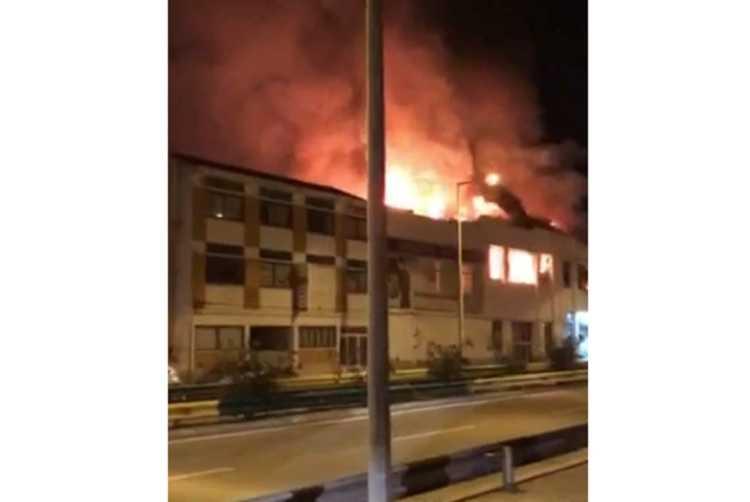 Jornal Campeão: Mais de 100 operacionais em incêndio na Figueira da Foz que destruiu dois edifícios