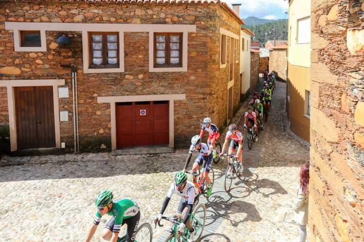 Jornal Campeão: Prova de ciclismo marca o regresso dos eventos às Aldeias do Xisto