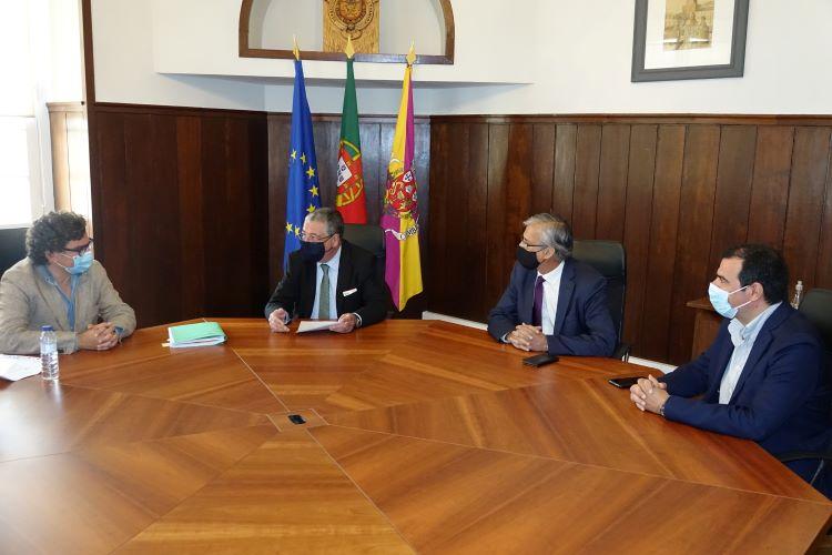 Jornal Campeão: Formalizado contrato para exploração dos espaços no Mercado Municipal D. Pedro V