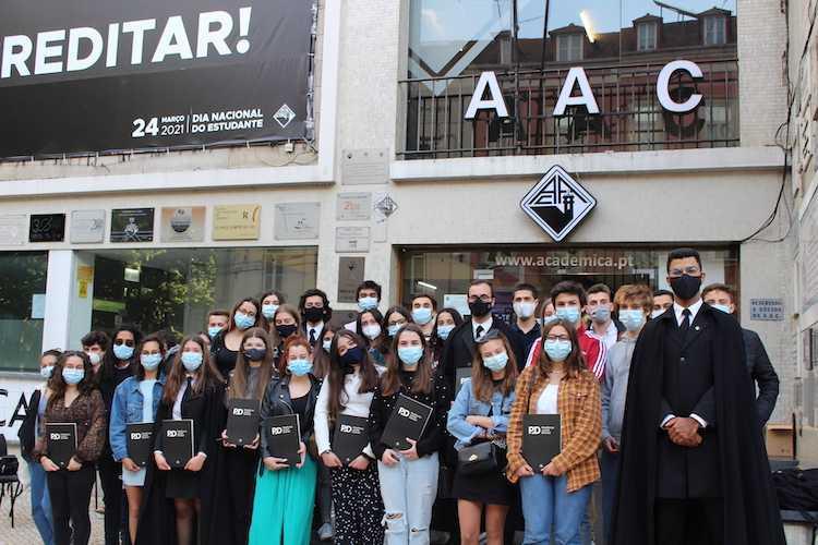 Jornal Campeão: Associação Académica de Coimbra cria Plataforma Juvenil Distrital