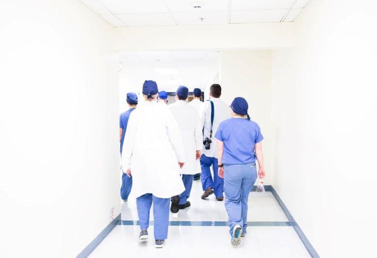 Jornal Campeão: Projecto da Sigma cria fundo de apoio de emergência para estudantes de Enfermagem