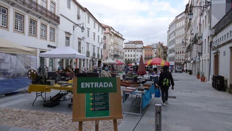 Jornal Campeão: Feira de Velharias de Coimbra volta este sábado à Praça do Comércio