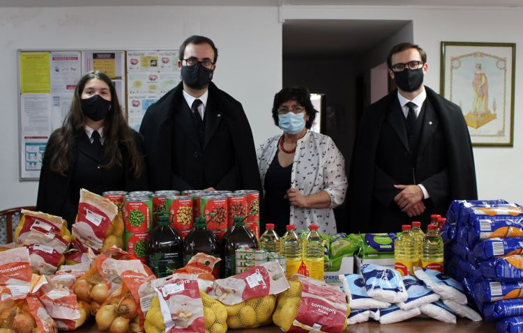 Jornal Campeão: AAC entrega mais de 300kg de alimentos à Associação das Cozinhas Económicas