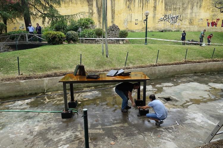 Jornal Campeão: Escultura de Cabrita Reis vandalizada em Coimbra foi hoje reposta