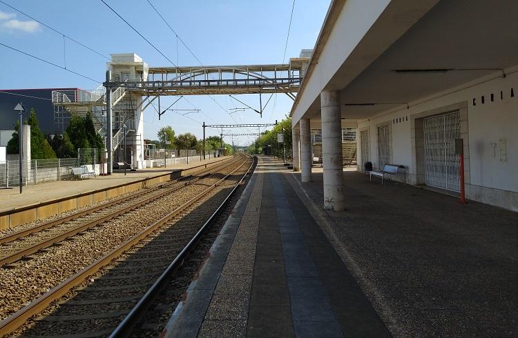 Jornal Campeão: Anadia: Estação ferroviária na Curia alvo de beneficiação