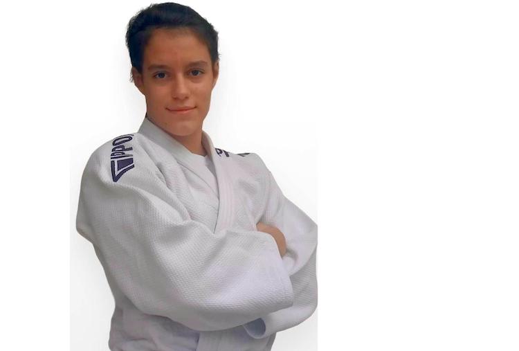 Jornal Campeão: Academista Mariana Simões conquista 7.º lugar em Campeonato da Europa