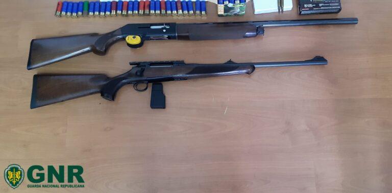Jornal Campeão: GNR de Coimbra apreende armas de fogo e identifica homem por violência doméstica