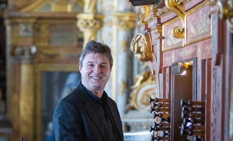 Jornal Campeão: Organista da UC cria Cantata de Natal em homenagem a António Arnaut