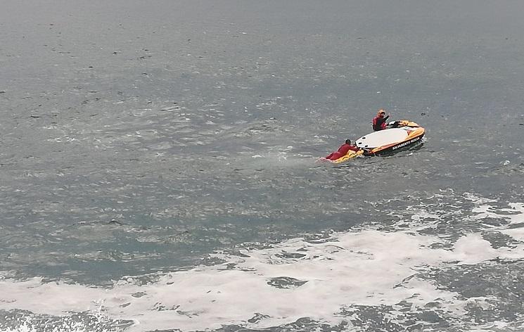 Jornal Campeão: Resgatado surfista em dificuldades na praia do Cabedelo na Figueira da Foz