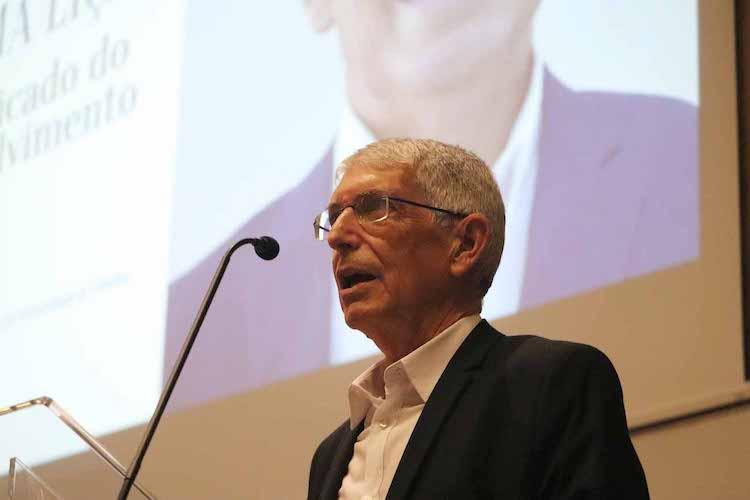 Jornal Campeão: Adelino Fortunato é homenageado na FEUC